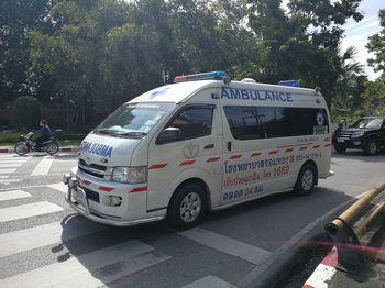 タイ救急車
