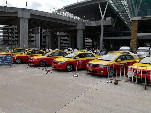 プーケット空港メータータクシー