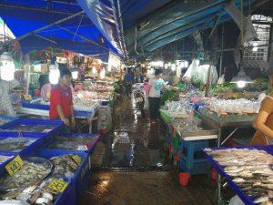 ナクルア市場