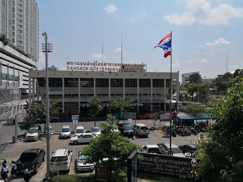 タイ バンコク東バスターミナル(エカマイバスターミナル)の行き方とその周辺